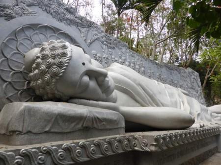 Buddha_liegend