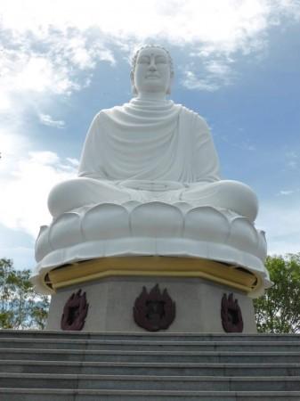 Buddha_weiss_sitzend