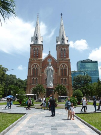 Notre_Dame_Cat_Saigon